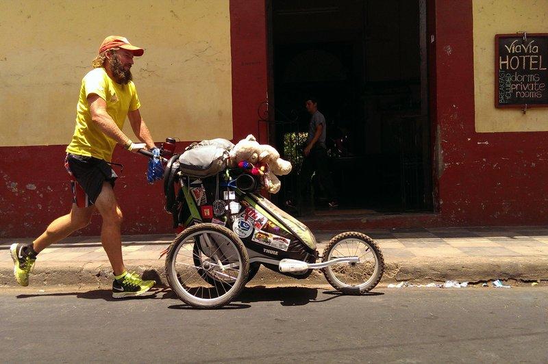 Kolem hostelu Leon, lokace: Nikaragua © Jamie Ramsay